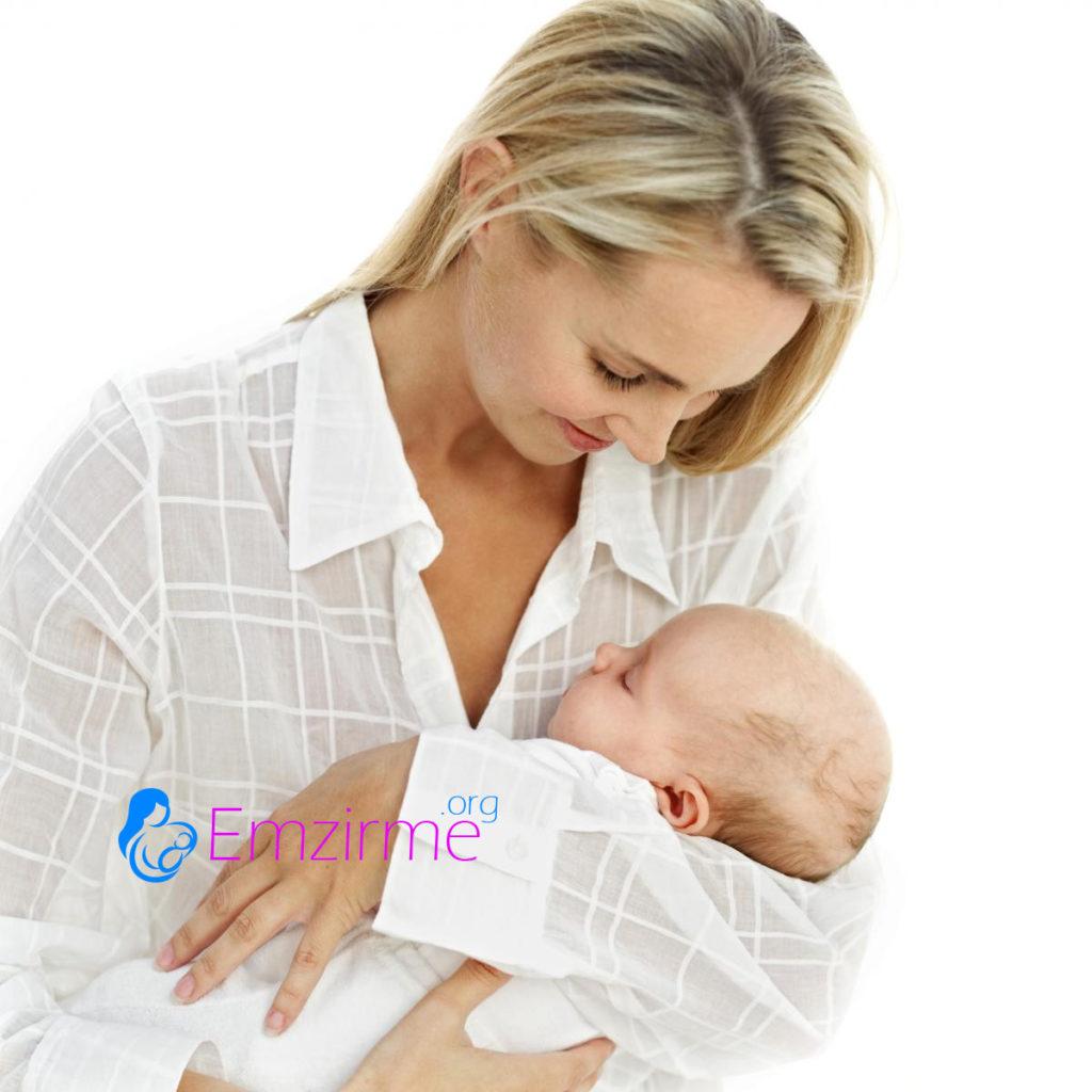 anne hastayken bebeğini emzirebilir mi